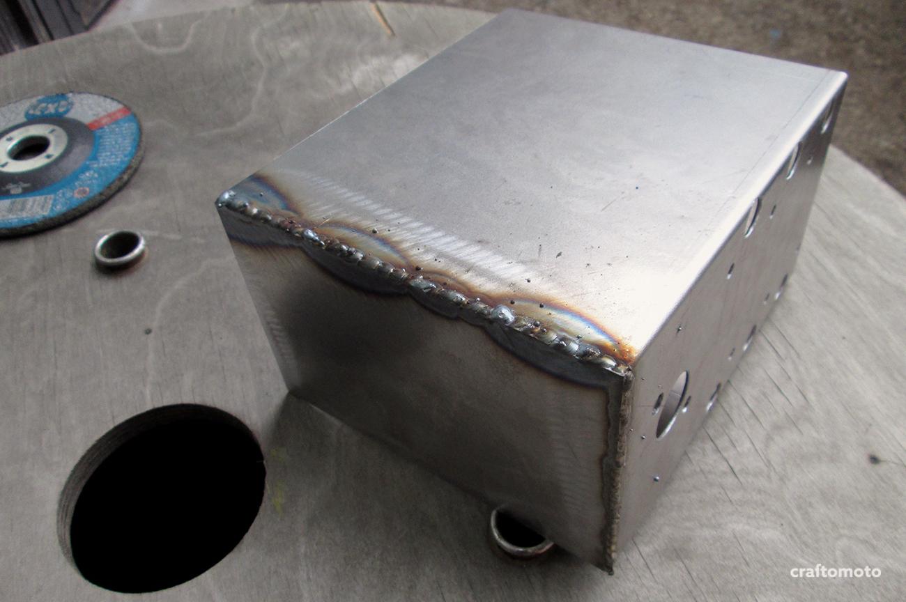 Custom Fuse Battery Box Supplies Ford Capri